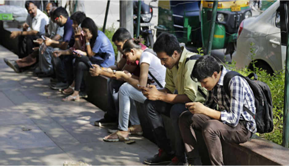 Smartphones to make up 62% of all mobile sales in India by 2018:...