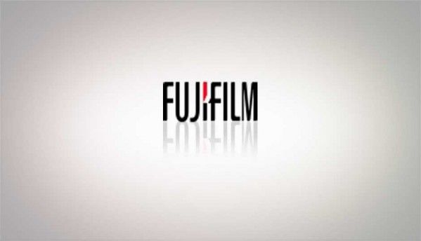 Fujifilm launches Finepix Real 3D W3 camera - 3.5-inch LCD, 720p video, HDMI 1.4