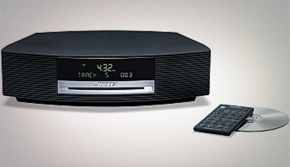 compare bose wave music system iii vs harman kardon aura. Black Bedroom Furniture Sets. Home Design Ideas