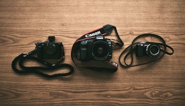 The Ultimate Battle: Mirrorless vs DSLR cameras