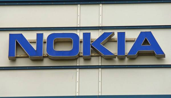 Alleged images of the Android powered Nokia C1 appear