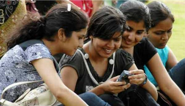 Indian smartphone subscribers to reach 810mn by 2021: Ericsson Mobility
