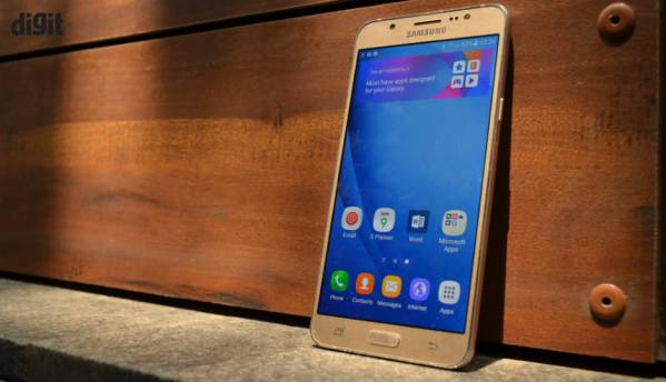 Samsung Galaxy J5, J7 (2016): In Pictures