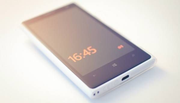 Nokia to re-enter smartphone business