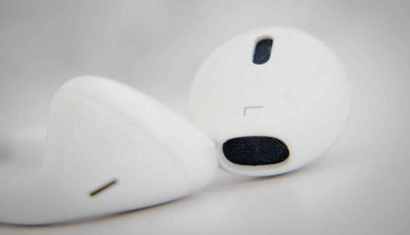Leaked images show Apple EarPods with Lightning Connector