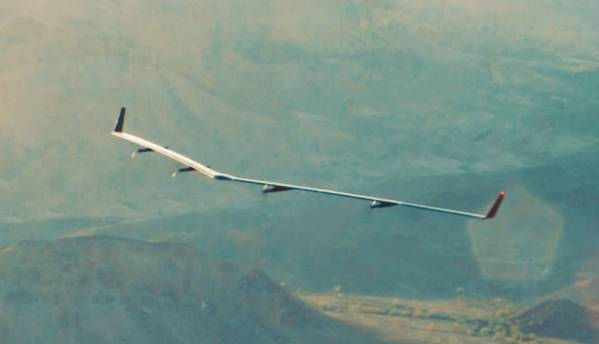 Facebook's internet-beaming solar aircraft Aquila takes first flight