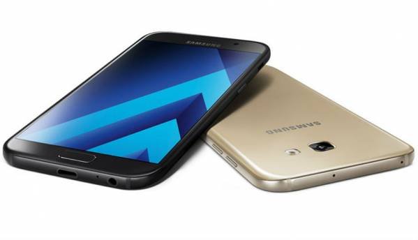 Samsung Galaxy A3 (2017) and A5 (2017) are now official, offer IP68 water resistance