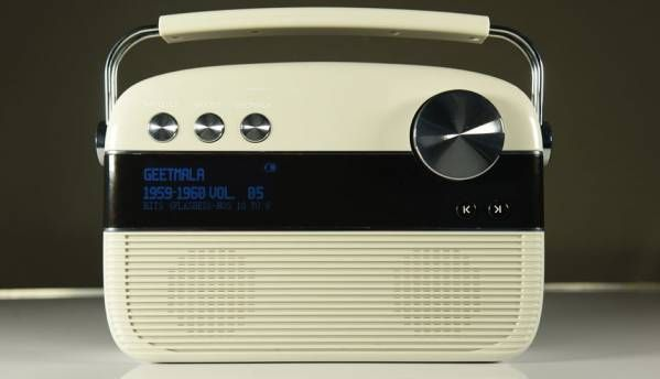 Hands-on with the Saregama Carvaan: 5000 retro songs packed into a nifty music player