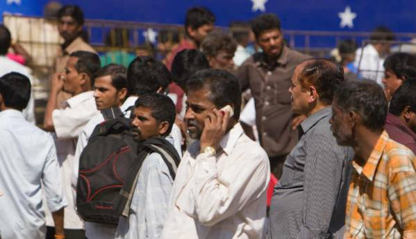 75% of Indians take advice from family and friends before buying a phone: IDC