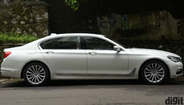 BMW 740Li DPE Signature technology, drive review: For the magical rear seat