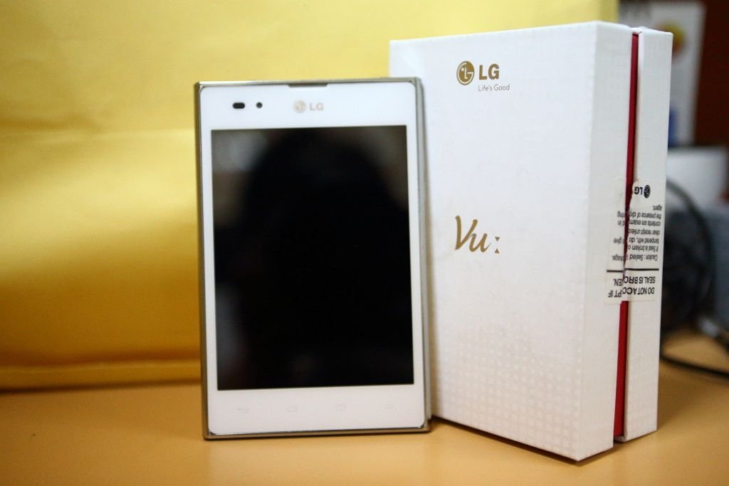 LG Optimus VU P895 Review