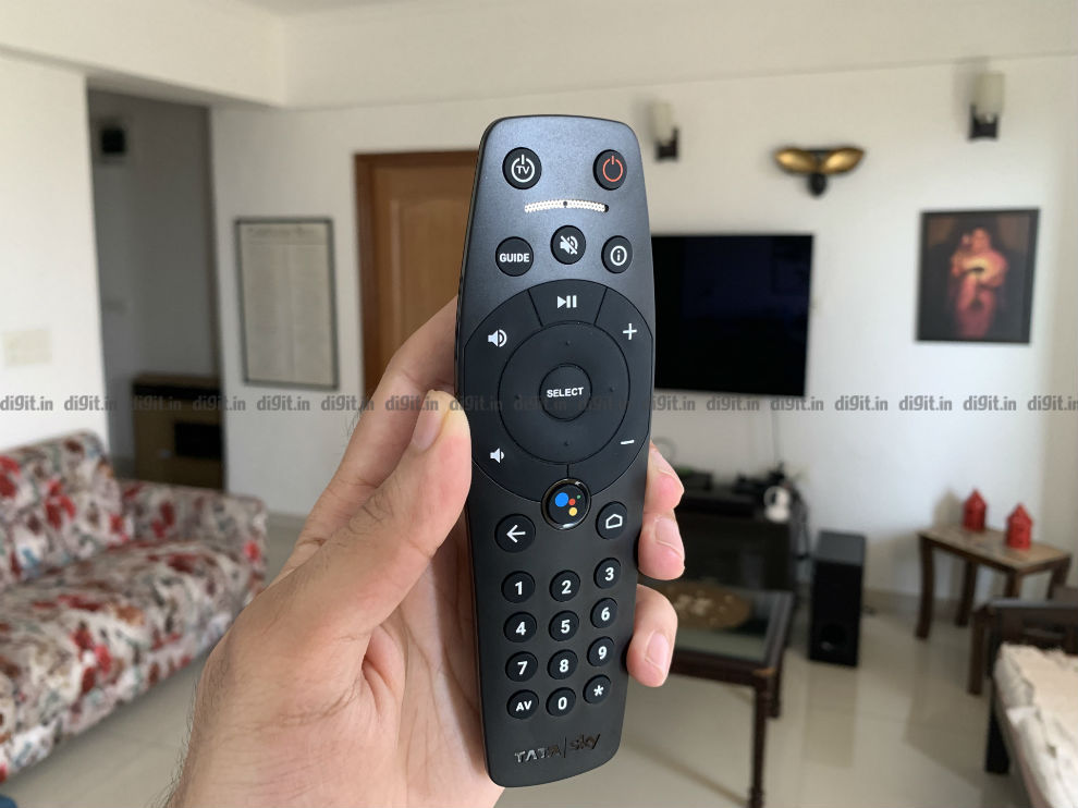 The tata Sky Binge+ Box comes with a simple easy to use remote control.