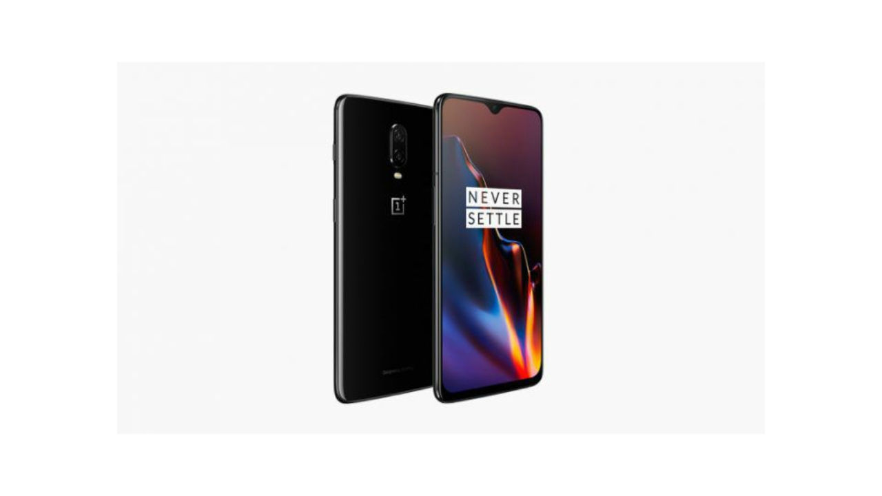 OnePlus 7T Pro leaks in live photos, sports display similar