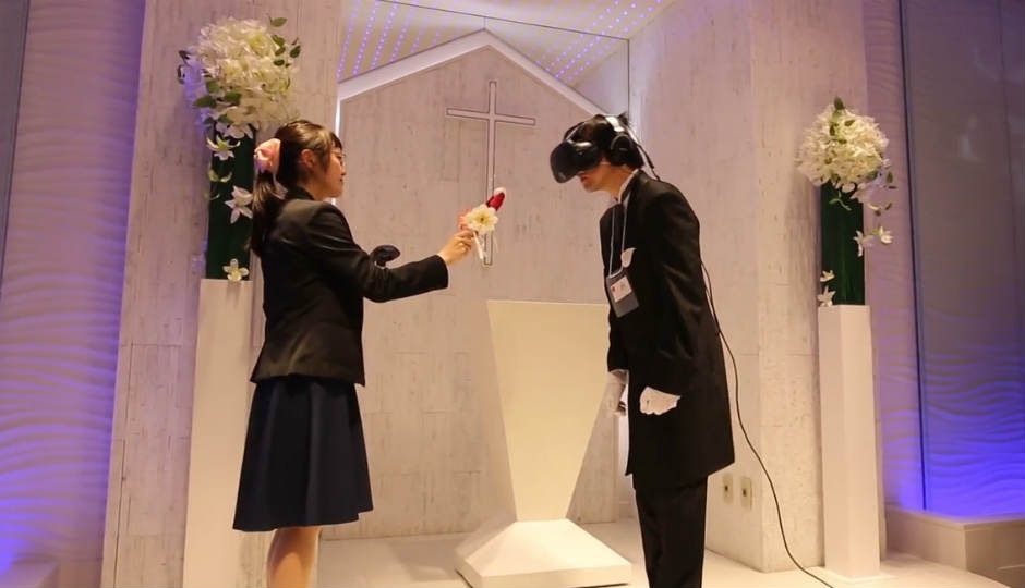 Vr 360 Wedding Ceremony: Japanese Men Are Tying The Knot With Their Favourite Anime