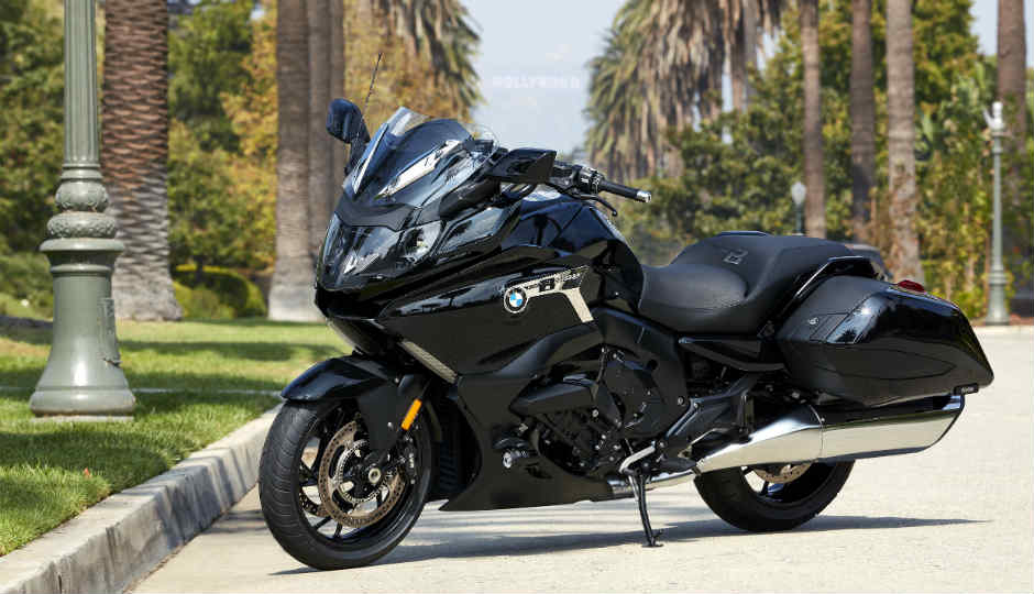the bmw k 1600 b luxury motorbike comes loaded with technology. Black Bedroom Furniture Sets. Home Design Ideas