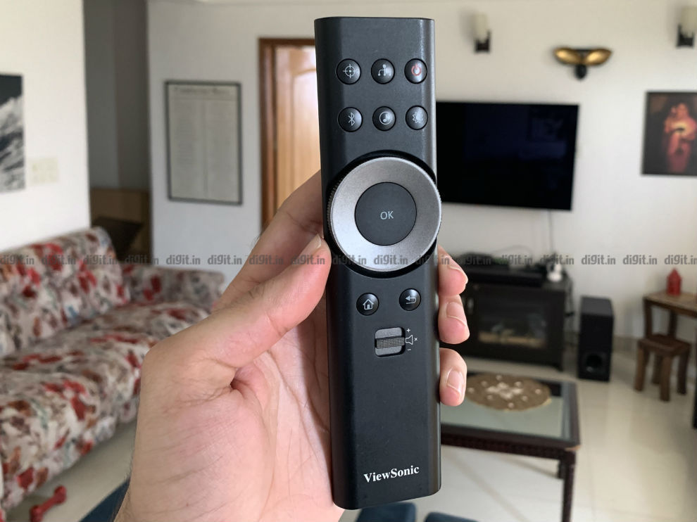 The ViewSonic X10 comes with a backlit remote control.