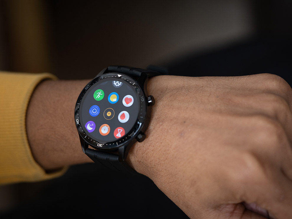 The Realme Watch S Pro impressive features like an SpO2 sensor, all-day heart rate tracking, dual-band GPS and water resistance up to 5ATM