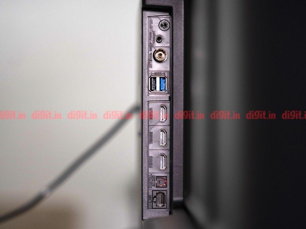 AmazonBasics 55-inch TFV connectivity options.
