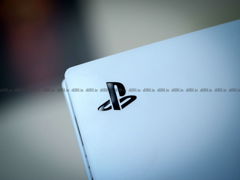 The PS logo is present on the consoles side plate.