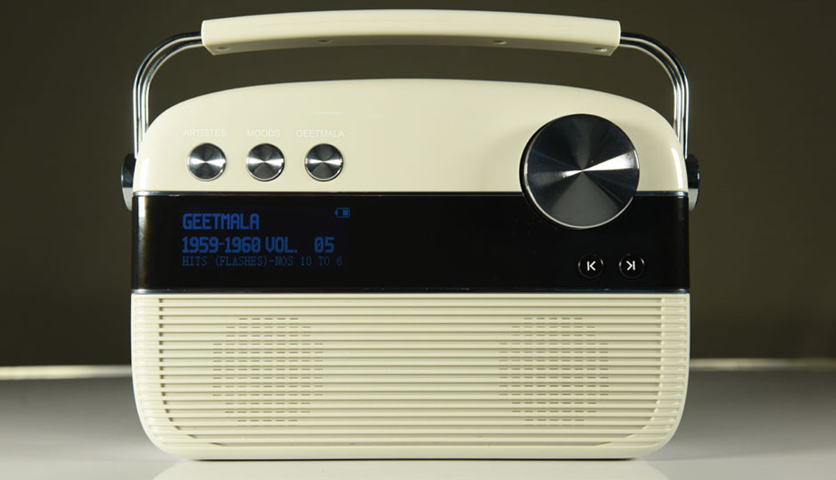 Hands-on with the Saregama Carvaan: 5000 retro songs packed