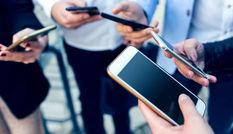 कस लें अपनी कमर क्योंकि 1 अप्रैल से महंगा हो सकता है मोबाइल फोन का इस्तेमाल, जानें कैसे होगा आपपर असर