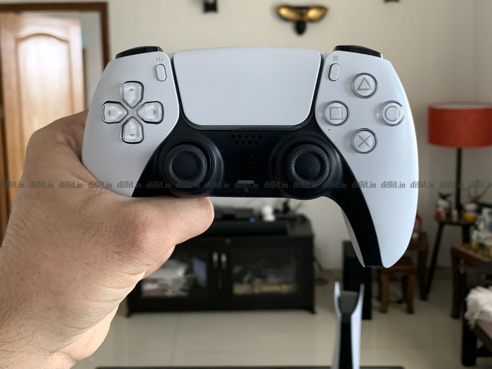 PS5 DualSense controller is bigger than the DualShock 4.