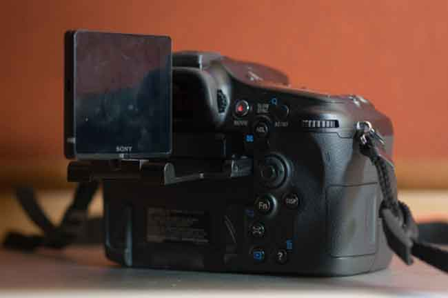 Sony Alpha 77 Review