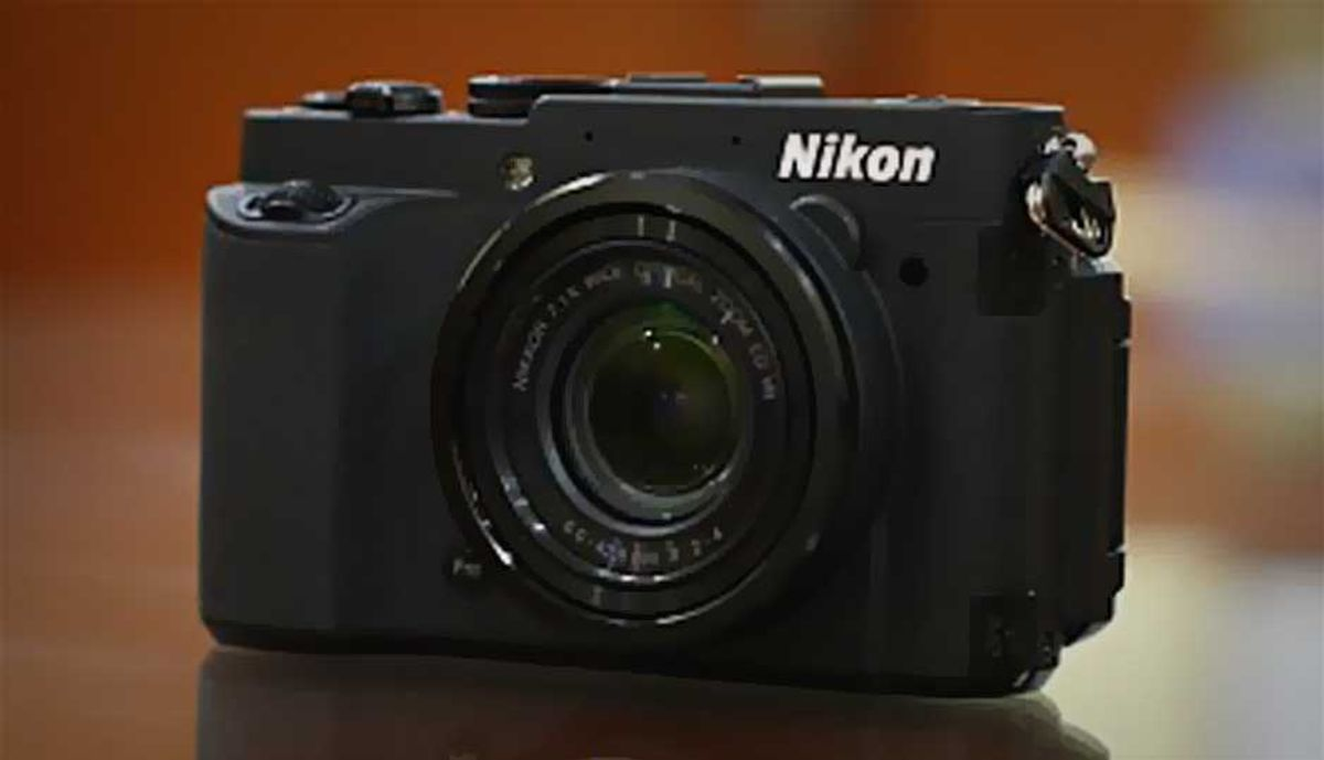 निकॉन Coolpix P7700