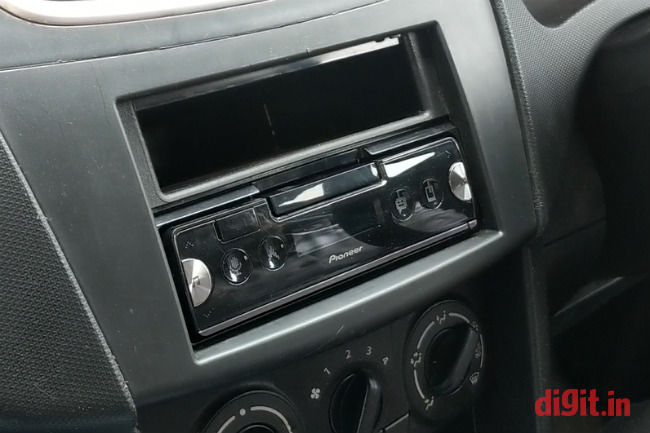Quick hands-on with the Pioneer SPH-C19BT car head unit | Digit