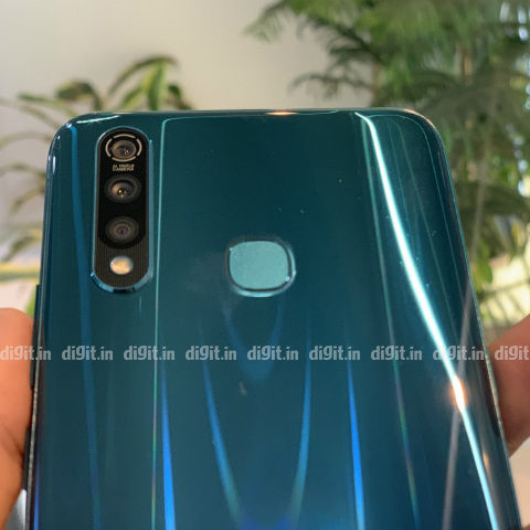 Vivo Z1 Pro Review - Best Smartphone Under Rs. 15000?