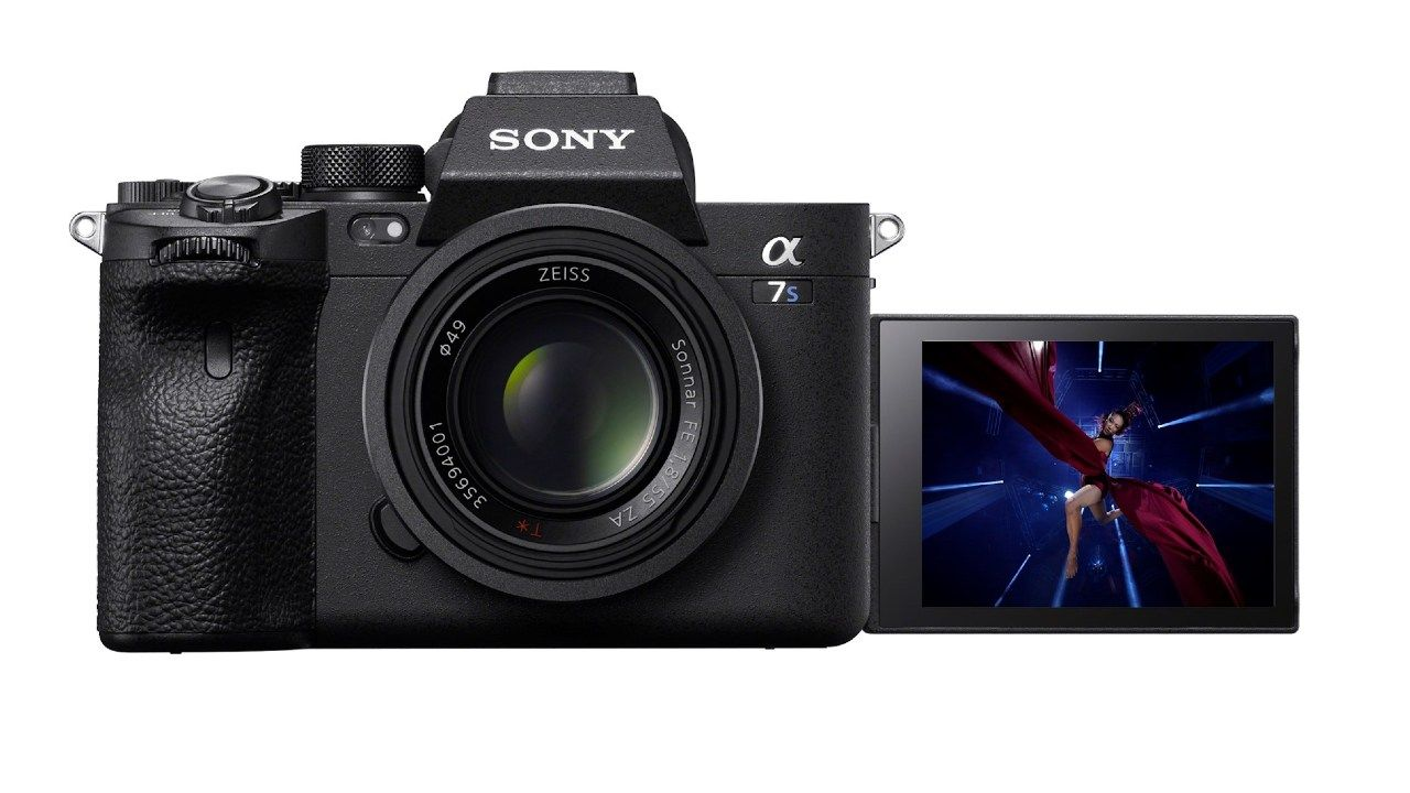 Sony A7S III with 4K 120p recording, in-body stabilization and a brand new viewfinder launched