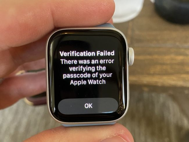 Another user named Tuff22 shared a picture of the message on Apple Watch.