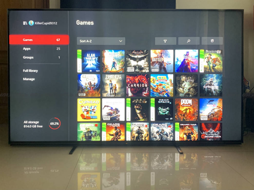 Gaming on an Xbox on the Sony Z8H.