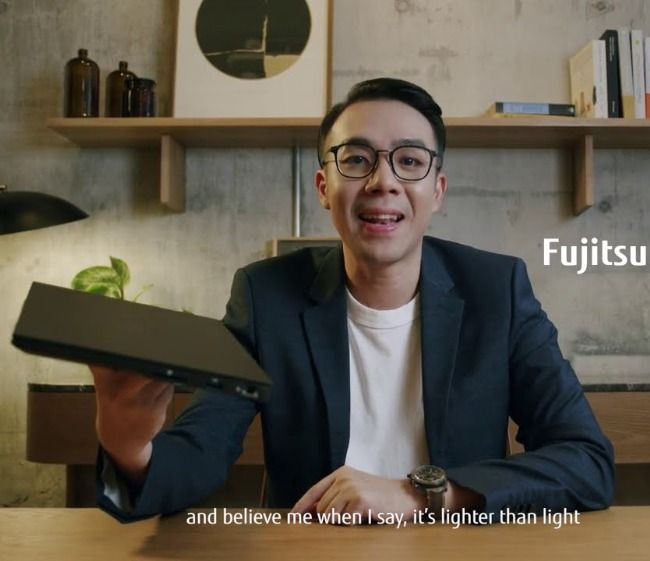 FUJITSU UH-X Thin and Light laptop UH-X convertible 2 in 1 laptop PC specs price India launch