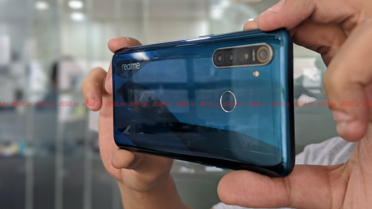Realme 5, Realme 5 Pro will be sold offline from mid
