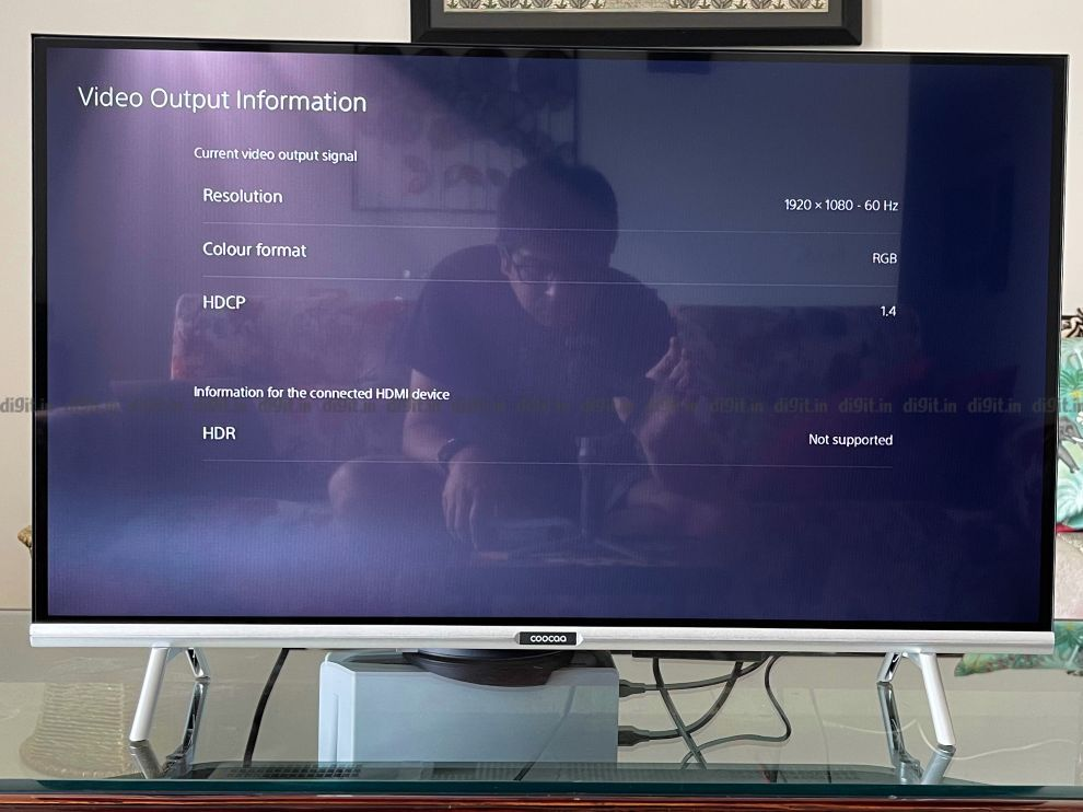 PS5 connected to the Coocaa 32-inch TV.