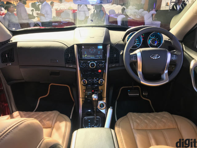 First Look The 2018 Mahindra Xuv500 Facelift Digit In