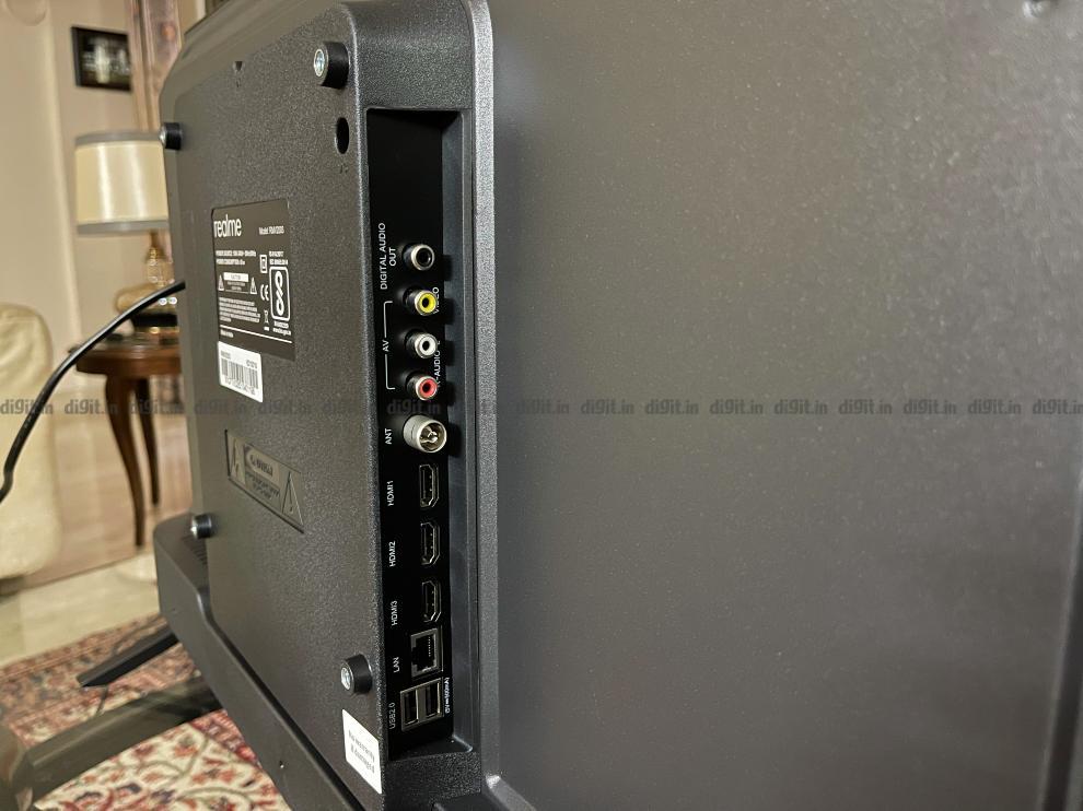 Realme 32 इंच FHD टीवी कनेक्टिविटी विकल्प
