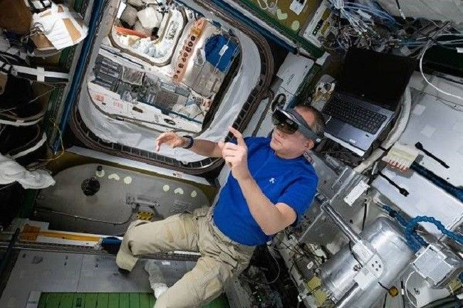 NASA astronauts using AR tech