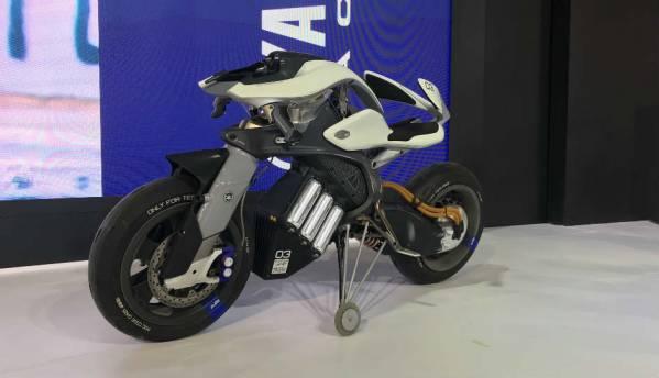 Auto Expo Day 2: New Swift, Yamaha Motoroid autonomous bike, BMW's big splash and more