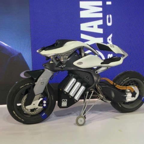 Explained: The technology behind Yamaha's AI-powered Motoroid concept bike