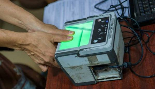 Aadhaar based biometric authentication to be used across Indian airports for paperless travel