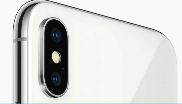 Some iPhone users are complaining of camera malfunction after iOS 11.4 update