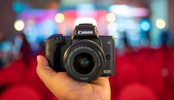 Canon EOS M50 mirrorless camera with fast focus, 4K video recording launched at Rs 61,995