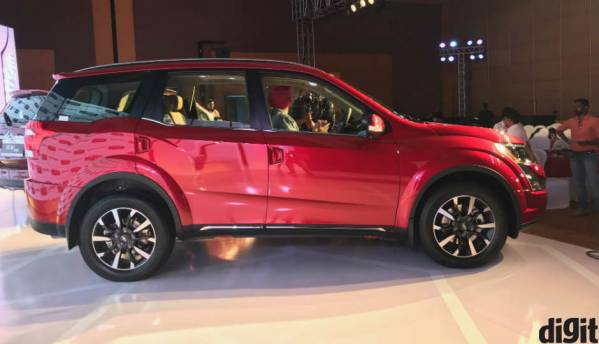 First Look: The 2018 Mahindra XUV500 facelift