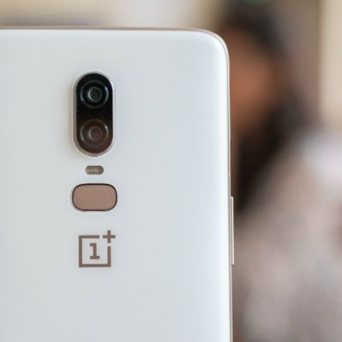 This video shows quality control behind the OnePlus 6