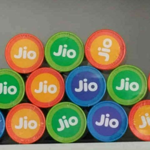 Jio clocks 186.6 million subscribers at March-end
