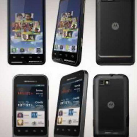 Motorola unveils Defy Mini XT320 and Motoluxe XT615