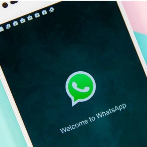 WhatsApp reportedly testing consecutive playback of voice messages, new group call shortcut