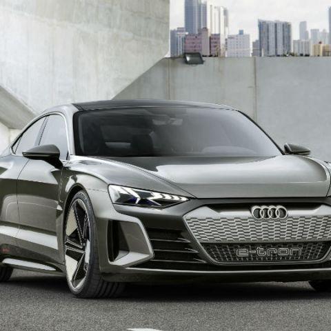 Audi unveils e-tron GT concept at 2018 LA Auto Show